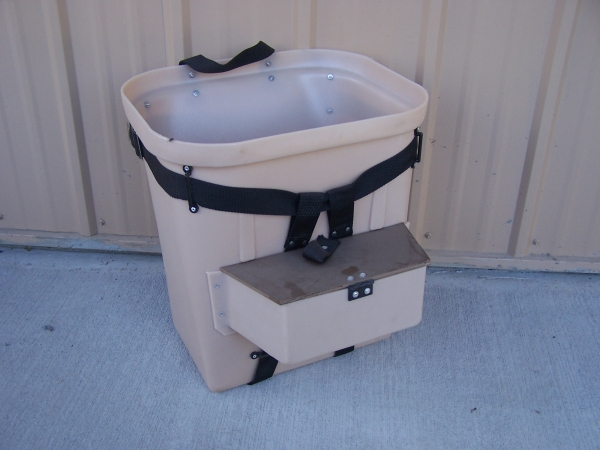 Fibertuff 18 inch Packbasket with Lure Compartment